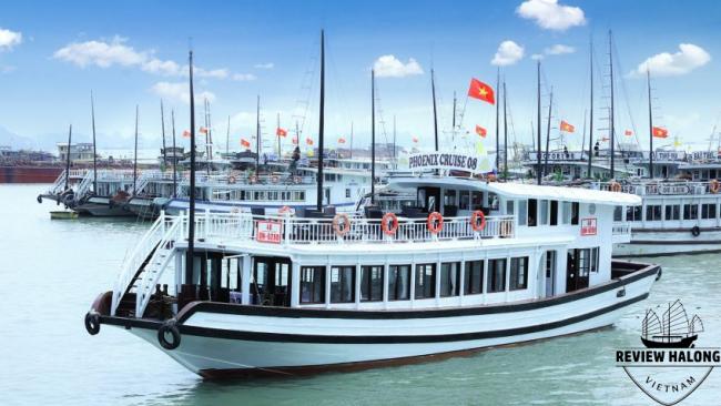 Tàu tiếng (tàu ghép) thăm vịnh Hạ long