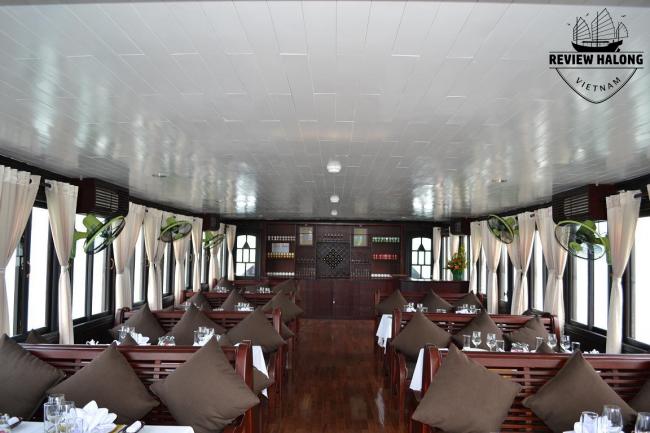 Nội thất bên trong tàu tiếng chất lượng tốt (tàu ghép) thăm vịnh Hạ long