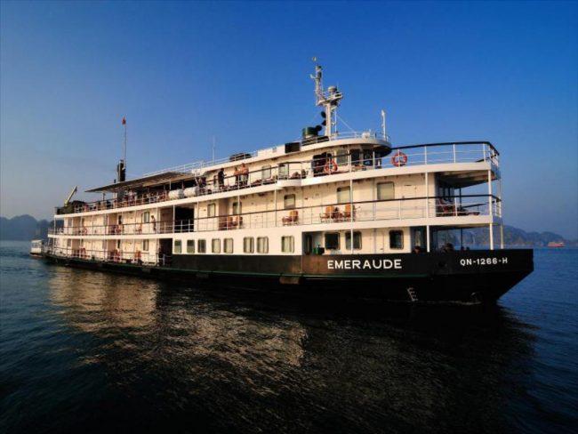 Du thuyền ngủ đêm 4 sao trên vịnh Hạ Long