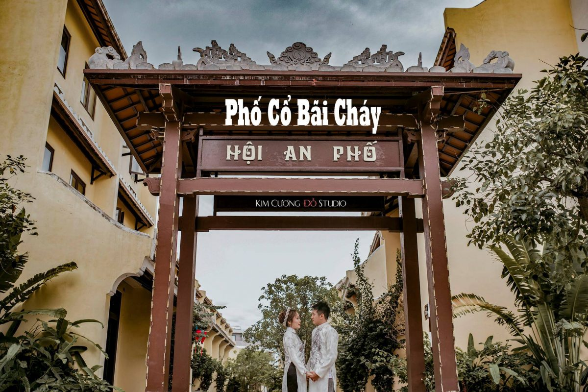 Cặp đôi chụp ảnh cưới tại dãy Phố cổ Sun World Bãi Cháy Hạ Long