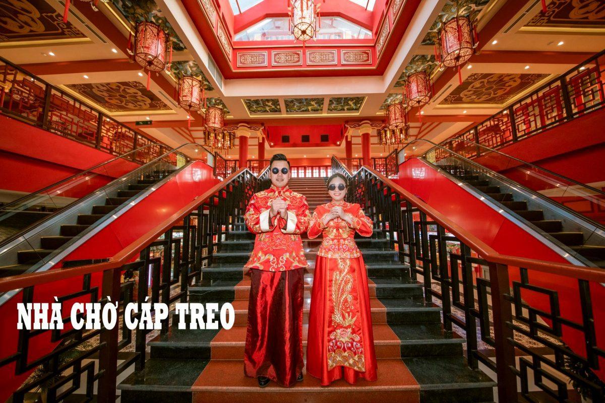 Cặp đôi chụp ảnh cưới tại Nhà chờ cáp treo Nữ hoàng, Sun World Hạ Long