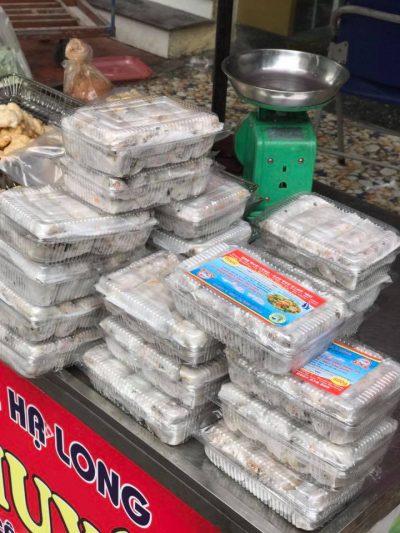 Chả mực đóng gói loại hộp nhựa trong 1kg của Chả mực Tiến Chuyên