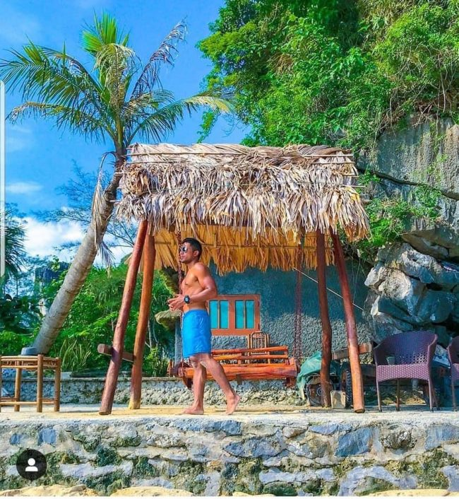 Chòi tắm nắng trên đảo Tự do Freedom Island