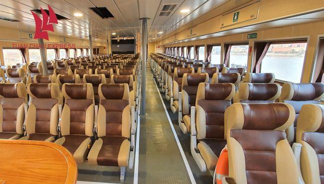 Khoang hành khách bên trong tàu cao tốc Tuần Châu Express