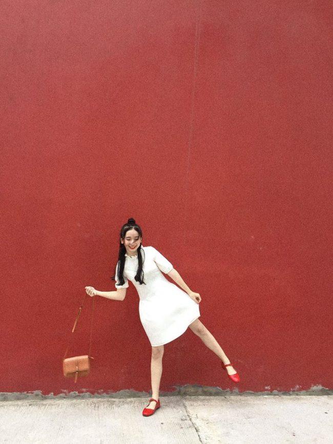 Bức tường đỏ huyền thoại ở Cung cá heo
