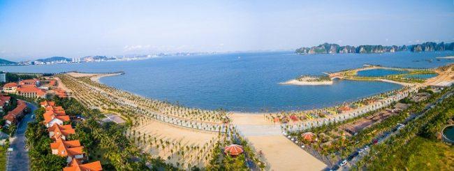 Toàn cảnh bãi tắm Tuần Châu